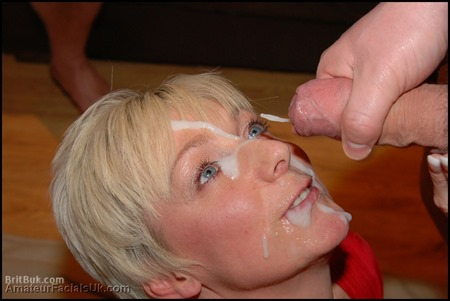 UK Bukkake Site Where The MILF Ladies Make Eye Contact